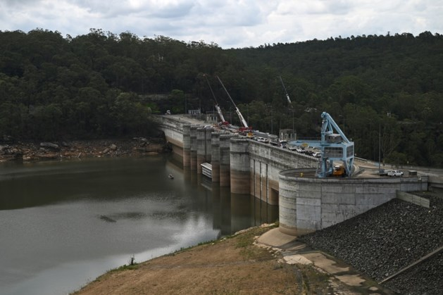 Door bosbranden geteisterd New South Wales versoepelt waterrestricties na zware regenval