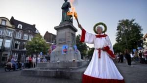 Kunstenaar 'betaalvlam' haalt fakkel Maastrichts beeld zelf weg