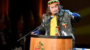 Video: Robert Walthouwer uit Maastricht met de buut 'Bèr is dakloos'