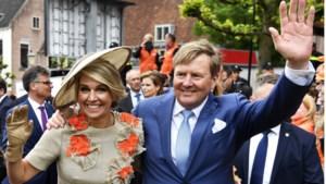 Zo loopt de koninklijke familie op Koningsdag door hartje Maastricht