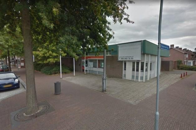 Voormalig postkantoor Panningen maakt ruimte voor parkeerplaatsen