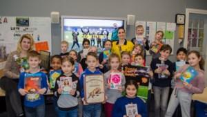 Scoor een Boek! Profvoetballers moedigen leerlingen aan om meer te gaan lezen