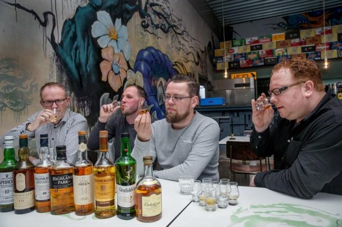 Van zurige Brinta naar vloeibaar goud: dit zijn de beste en slechtste whisky's