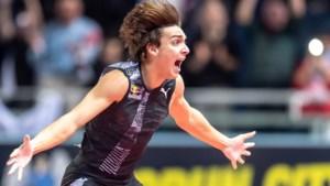 Polsstokfenomeen Armand Duplantis nieuwe vedette van de atletiek