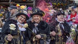 Auw Wiever vieren 'intiem' feestje: 'Hier is het echte Auw Wieverbal'