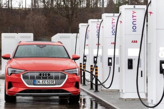 Snelladen elektrische auto's gaat soms tergend langzaam