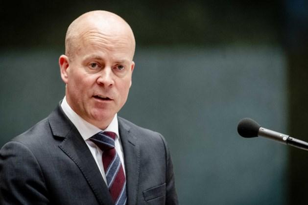Minister Knops wil buitensporig jobhoppen topambtenaren tegengaan