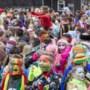 Duizenden carnavalsvierders starten de <I>vastelaovend </I>op de Sjolefestasie in Roermond