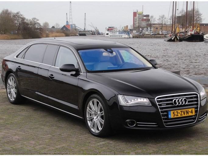 In deze auto rijd je als koning Willem-Alexander, hij is te koop