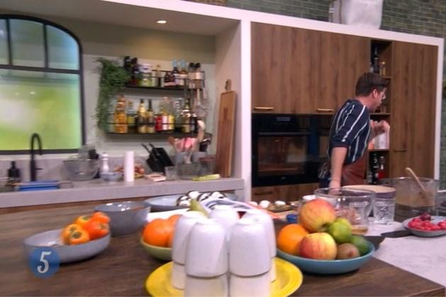 Heimlichgreep nodig bij tv-kok Hugo Kennis als hij zich tijdens 5 Uur Live verslikt