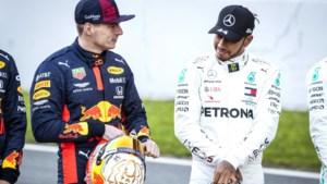 Verstappen en Hamilton voeren niet alleen op de baan maar ook ernaast een (mentale) strijd