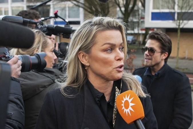 De bladen weten het zeker: huwelijk en gezinsuitbreiding André Hazes en Monique op komst