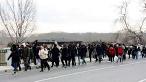 Turkije zet grenzen open: Syrische vluchtelingen richting Europa