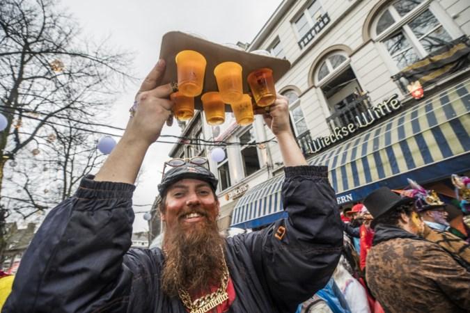 Slecht weer met vastelaovend: de ene bierbrouwer profiteert, de ander ziet de bierverkoop teruglopen