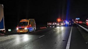 Twee doden door botsing op snelweg Gelderland, mogelijk verband met plofkraak