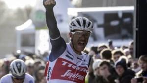 Belgische wielrenner Stuyven wint Omloop Het Nieuwsblad, Mike Teunissen zesde