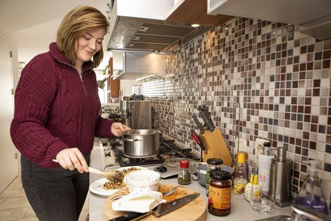 Maastrichtse Lisa Dorsman schrijft kookboek vol vezelrijke recepten: maak bijvoorbeeld een chocomousse van bonen