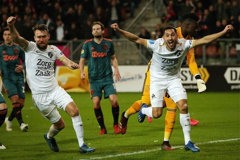 Sterk FC Utrecht maakt malaise voor Ajax compleet en is eerste bekerfinalist