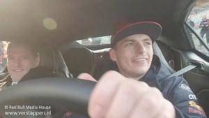 Video: Max Verstappen trakteert jarige vader Jos op rondje over circuit Zandvoort