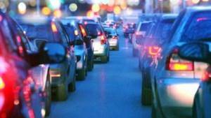Grote vertraging op A2 door kettingbotsing met zeven auto's