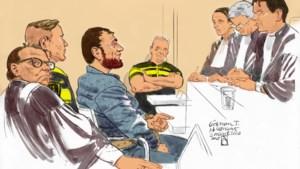 Tramschutter Gökmen T. bespuugt rechters en wordt zaal uitgezet