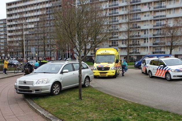 Scooterrijdster raakt gewond bij aanrijding met auto