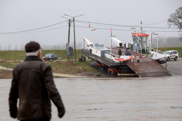 Veerponten in Limburg uit de vaart wegens hoogwater