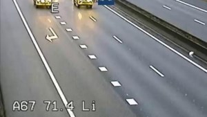 Video: Kat-en-muisspel op snelweg A67