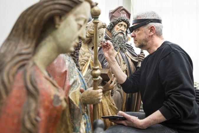 De kunst van het wegschrapen bij restauratie beelden Grote Kerk Venray