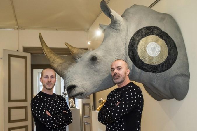 FOTO'S: Twintig jaar opgezette dieren van Les Deux Garçons: 'Kunst mag best schuren'