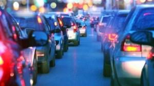 Auto slaat over de kop op A2: 32-jarige man uit Sittard komt om