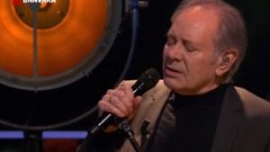 Rob de Nijs roert kijkers DWDD tot tranen toe: 'Weergaloos mooi'