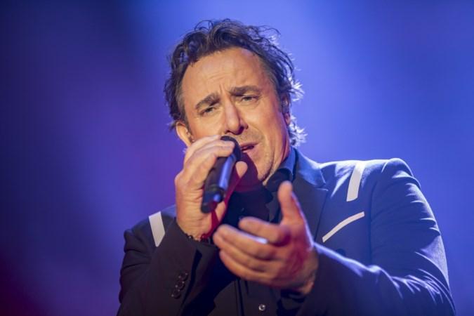 'Als John Ewbank humor heeft, noemt hij Marco's volgende album Van Knuffelzanger tot Vreemdganger'