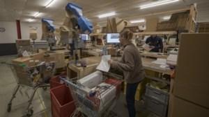 Thuiswerkers schaffen massaal kabels en toetsenborden aan