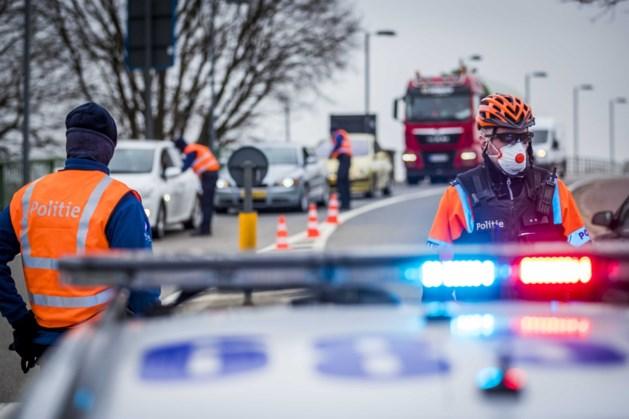 Controles aan de grens met België: 'Iedereen kan beter in kot blijven'