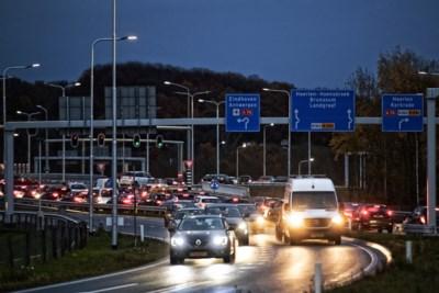 Verkeersadviseur: 'Maak oprit A76 bij Schinnen weer open'
