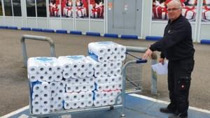 'Mensen riskeren corona voor wc-papier, blijf toch in uw kot'