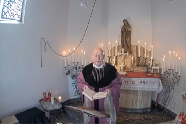 Mis bij Sint Rosakapel in Sittard live te zien