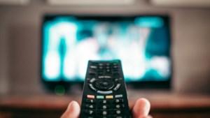 Nederlanders kijken veel meer tv door coronacrisis