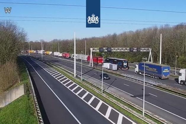 Flinke vertraging bij grensovergang A76 vanwege strenge controles
