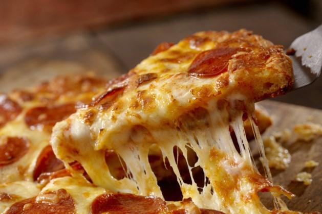 Nederland krijgt in de zomer eerste autoloket voor pizza