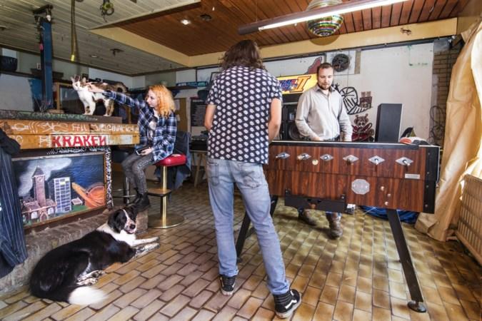 Krakers zijn terug in oude kantine van voetbalclub Scharn