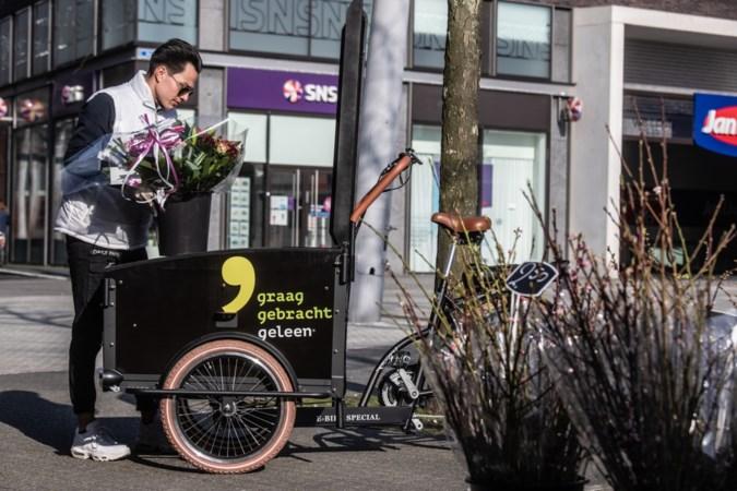 Fietskoerier centrum Geleen: 'Mensen kijken om als ik voorbijkom met die bakfiets'