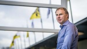 VVV zegt contracten vijf spelers op