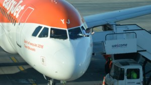 EasyJet staakt per direct alle vluchten
