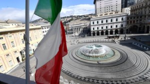 Italië hangt massaal de vlag halfstok voor de ruim 11.000 coronadoden