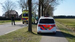 Fietsster per ambulance naar ziekenhuis na val