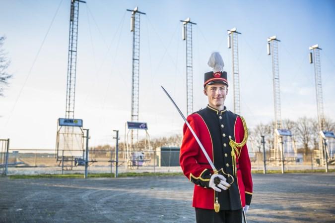 Mike (13) is de jongste commandant ooit: 'Leeftijd speelt bijna geen rol meer in de Limburgse schutterswereld'
