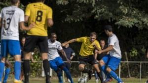 Topspits Jordie van der Schoot blijft nog een jaar bij SV Meerssen