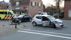 Flinke ravage na ongeluk: bestuurder vlucht te voet